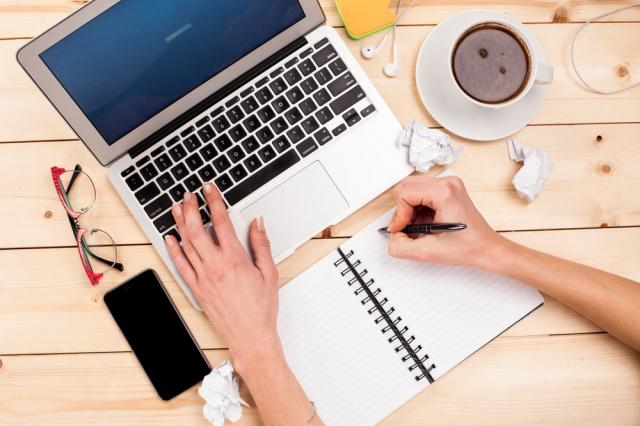 Ganar dinero extra: 5 ideas sencillas para generar ingresos extra desde casa