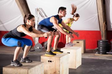Descubre qué es el Box Jumps, cómo se hace y los beneficios de este ejercicio