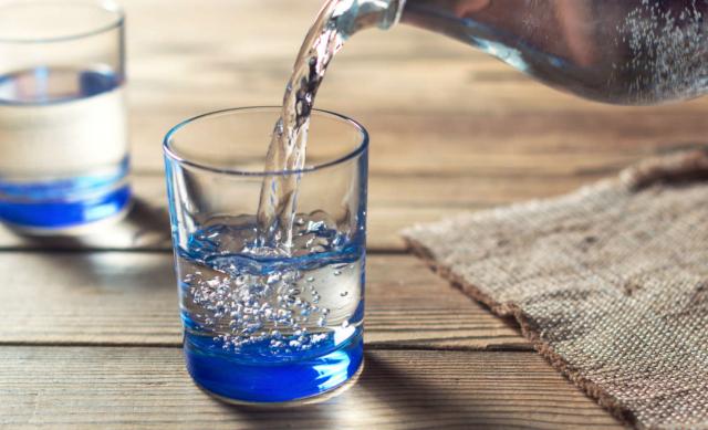 Razones que te convencerán de tomar agua todos los días
