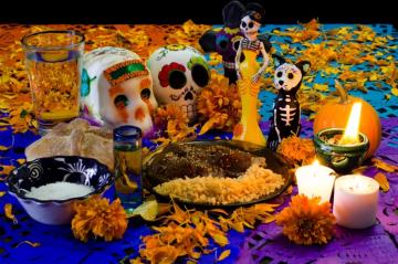 Ideas para ponerle una ofrenda a tu mascota que ya no está el Día de Muertos