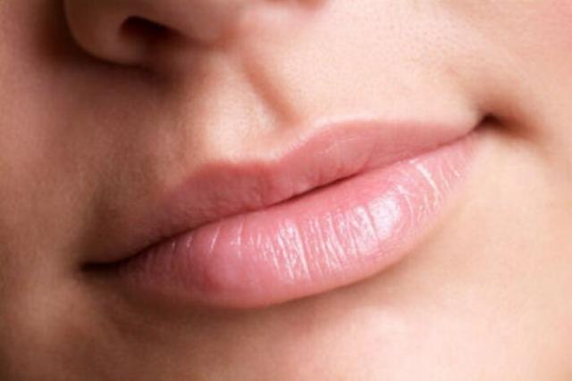 ¿Labios partidos por el frio? Aprende a mantenerlos suaves sin esfuerzo
