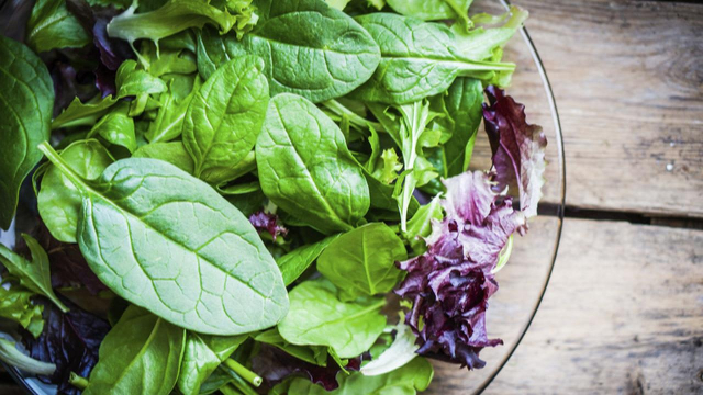 Vegetales de hojas verdes: Beneficios y razones para comerlos más