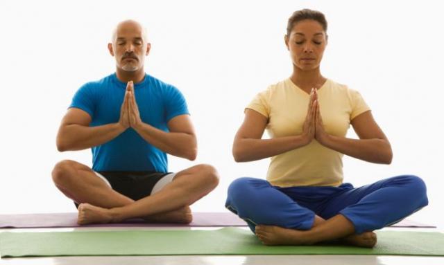 Beneficios y razones para hacer yoga