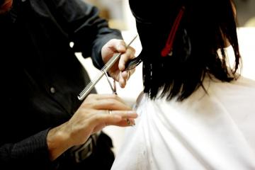 Calendario lunar 2021 para cortarse el cabello y depilación