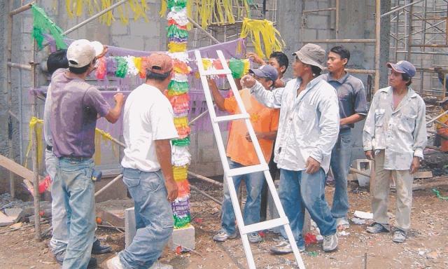 Por qué se celebra el Día del Albañil el 3 de mayo en Guatemala