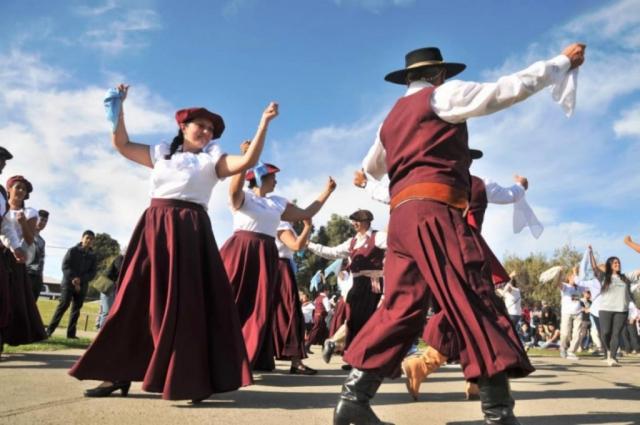 Por qué se conmemora el Día del Folklore en Argentina