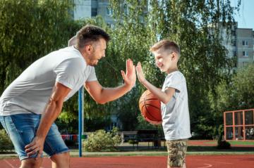 6 consejos para escoger la escuela de baloncesto en Bogotá correcta para tu hijo